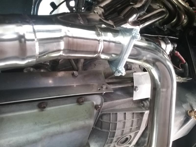 F53 – Repairing broken exhaust manifold studs – 1999