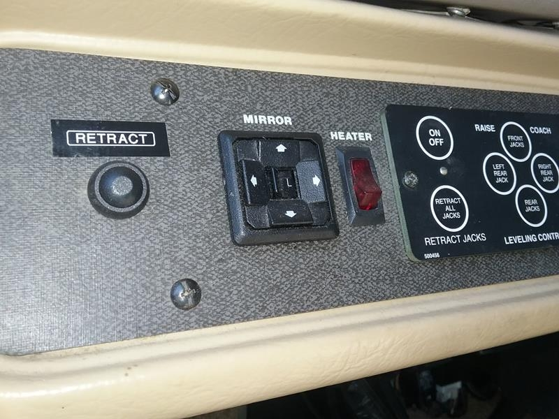 How to raise Power Gear jacks one at a time – 1999 Southwind 35S